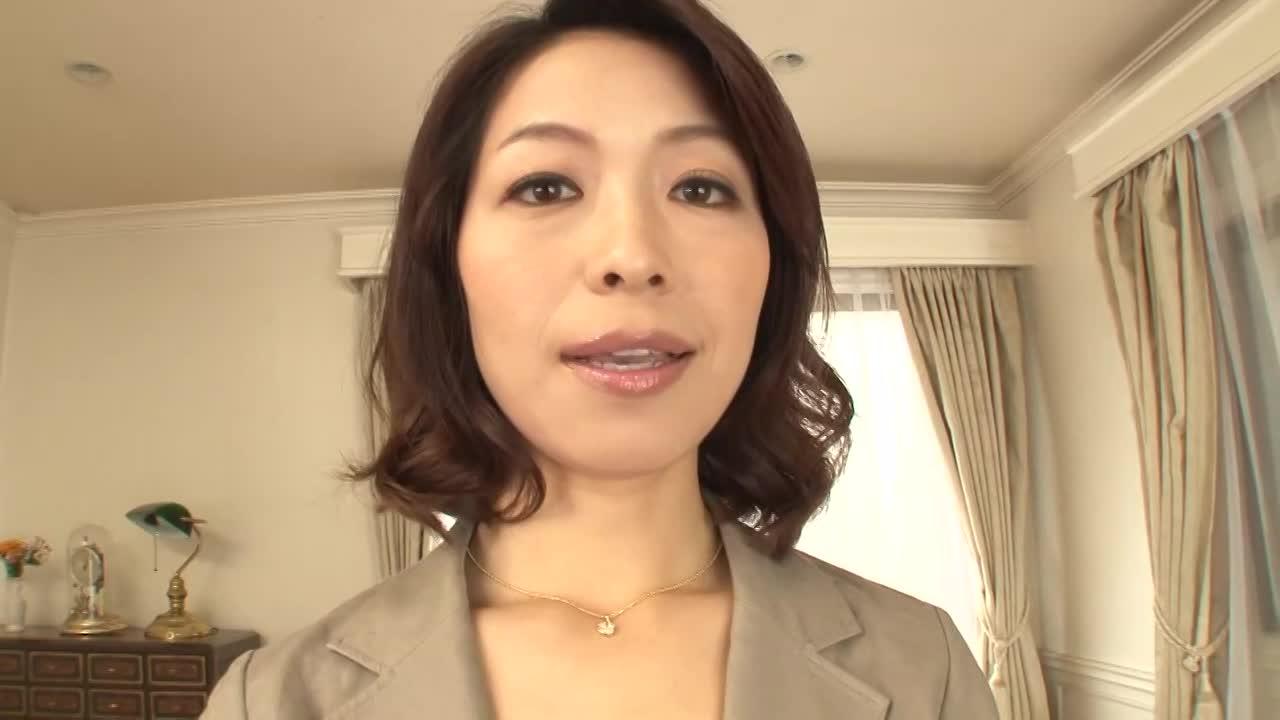 三十路熟女さんのクリちゃんがおっきくなってる〜!見るべし![愛原さつき]